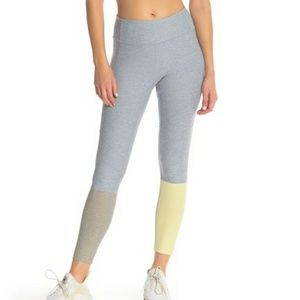Outdoor Voices tri-color rec- legging